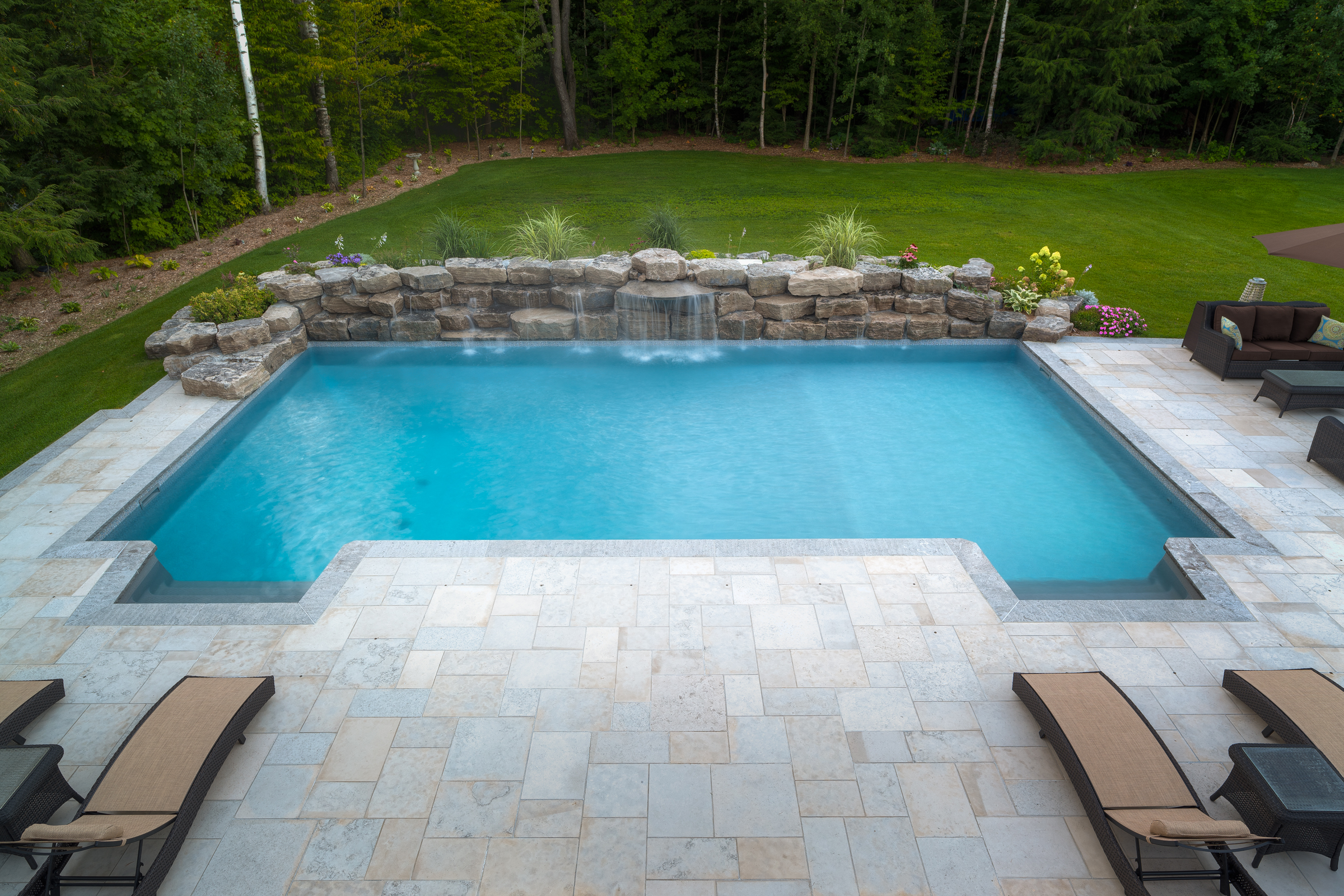 20X40 RECTANGLE POOL WITH WATERFALL